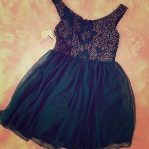 Dresses - Windsor Emerald Dress